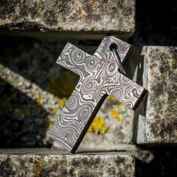 Croix Forgée en Acier Damas
