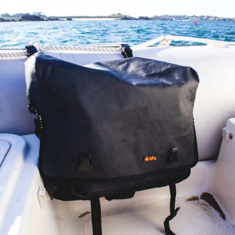 Sacoche étanche pour bateau pneumatique