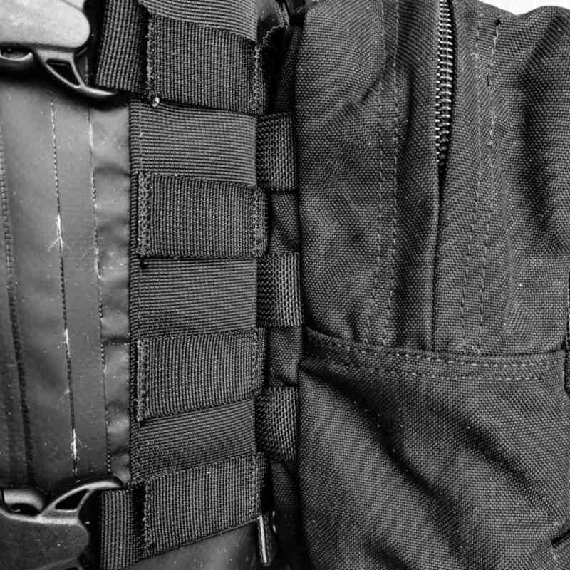 Exemple de poche tressée sur la face avant d'un sac HPA Molledry
